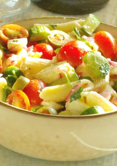 Thumbnail for Greek Pasta Salad in Instant pot (Video Recipe)