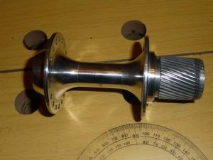 Un mozzo Maillard helicomatic di una mia (ex) Peugeot; si nota il corpetto per l'installazione della ruota libera