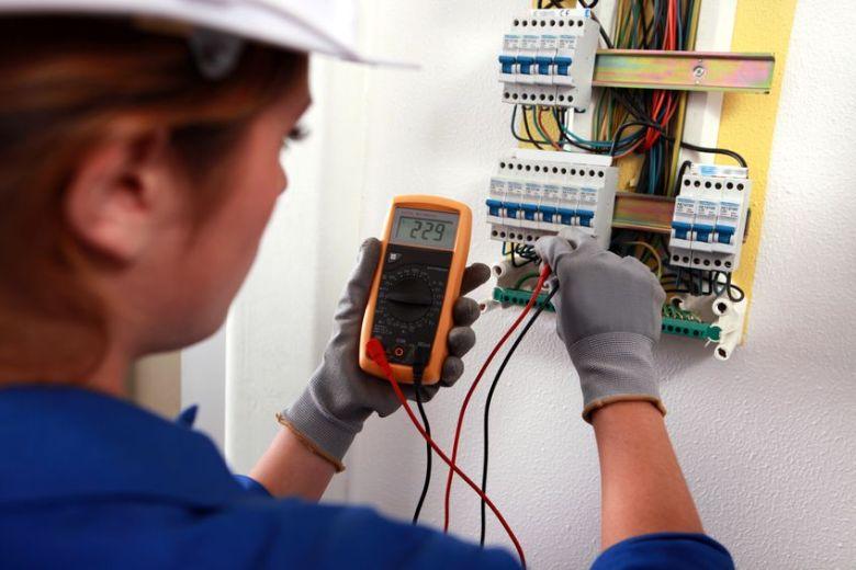 Eletricista no Interlagos