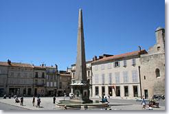 Utazás lakóautóval Avignon - Arles, Place de la République