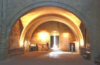 Utazás lakóautóval Montpellier - Maguelone katedrális, belső