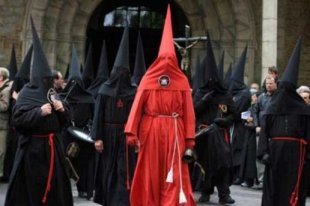 húsvét lakóautóban - procession de la sanch perpignan húsvéti körmenet