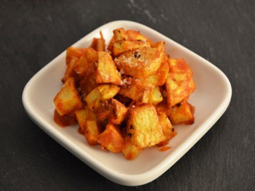 Tapas receptek - patatas bravas