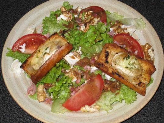 Saláták hidegen, melegen - salade chevre chaud