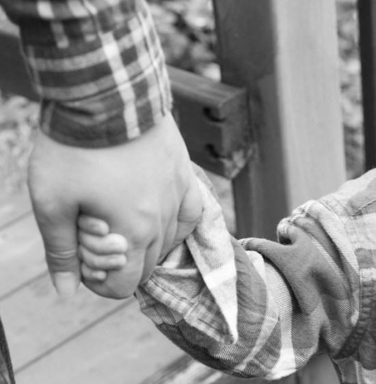 Evangelio apc Manos padre e hija