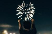 Evangelio apc Mirando a fuegos artificiales