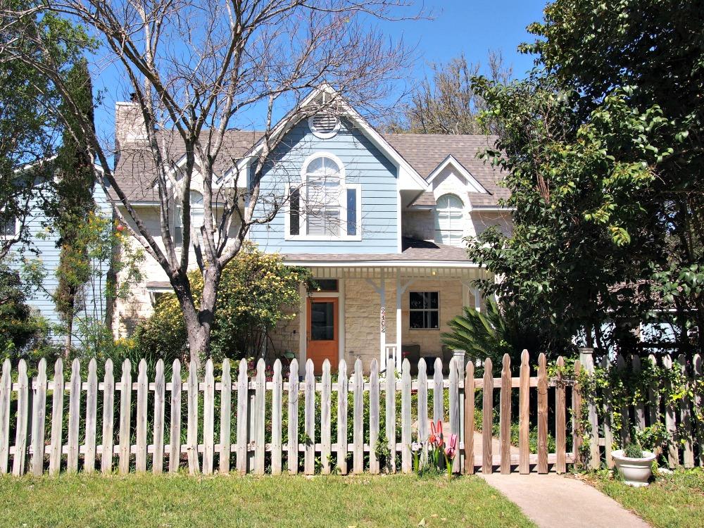 best Austin neighborhoods without HOAs austin lake hills