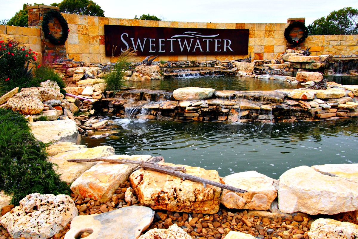 lake travis master planned communities sweetwater