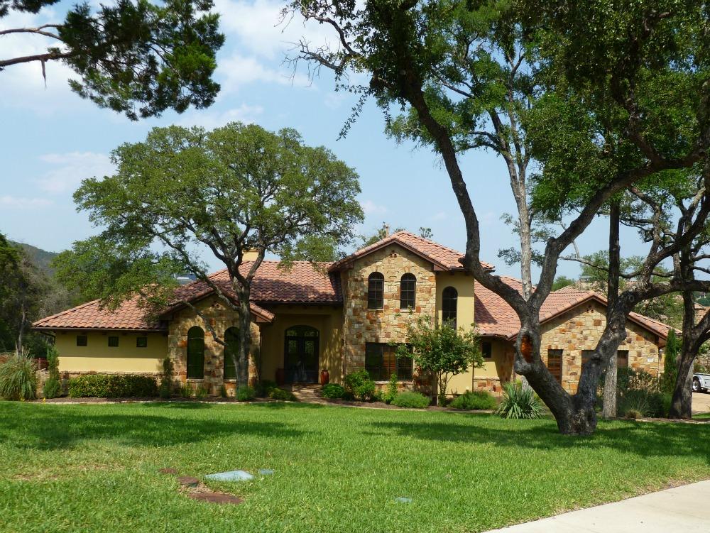 austin neighborhoods lowest property tax rate best schools Greenshores on Lake Austin