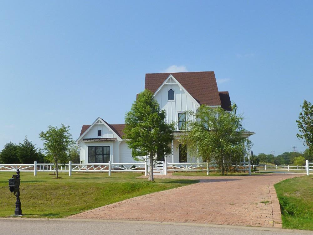 austin neighborhoods modern farmhouses howard ranch
