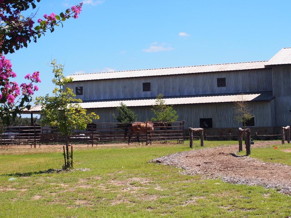 austin neighborhoods modern farmhouses spicewood