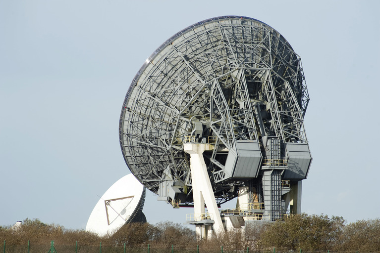 Ground stations for satellite communication