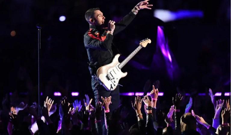 Así se vivió el  «touchdown musical» de Maroon 5  en el medio tiempo del Super Bowl LIII [FOTOS]