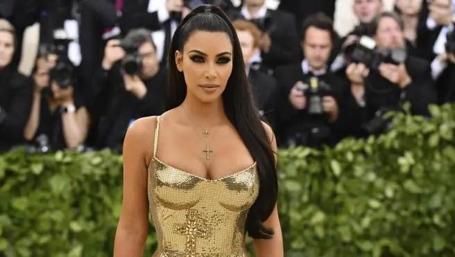 «Extraño vestirme»: Kim Kardashian quiere volver a pisar una alfombra roja 👠😩