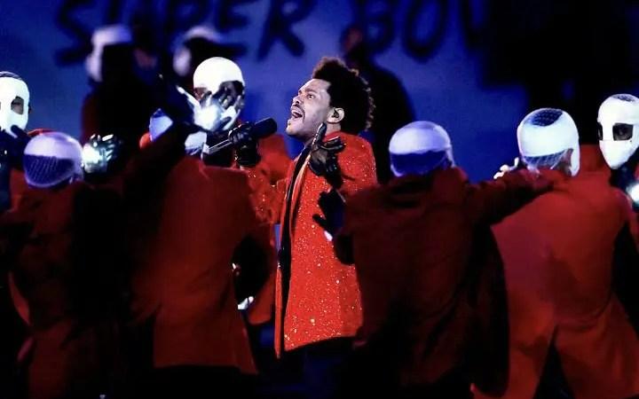 The Weeknd protagonizó decepcionante show de medio tiempo en el Super Bowl  2021 🏈🎤