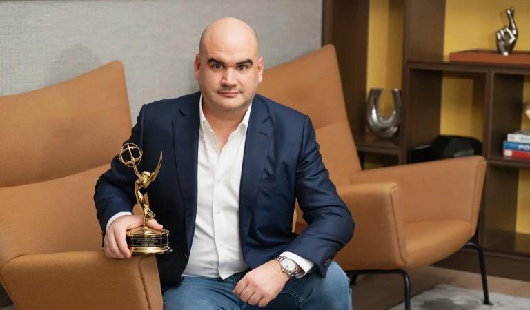 De la banca al mundo audiovisual: Gabriel Sanz ganó un Emmy por el documental «Periodismo en Dictadura» 👏🏆