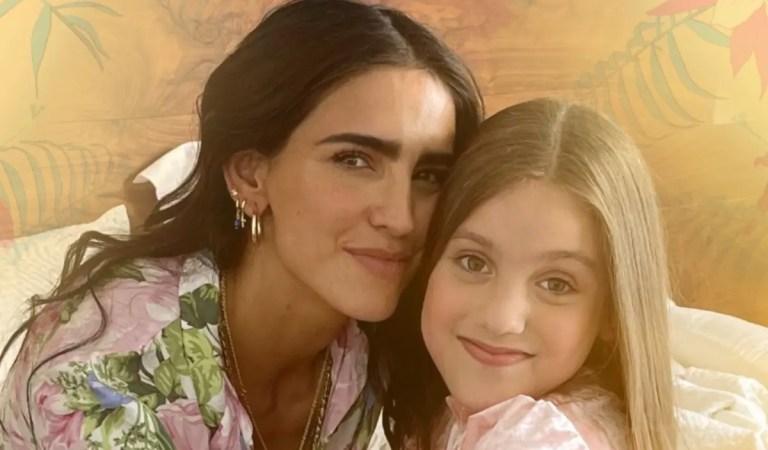 Con Bárbara de Regil como protagonista: Anabella Queen estrenó «Mamá» 🥰🎶
