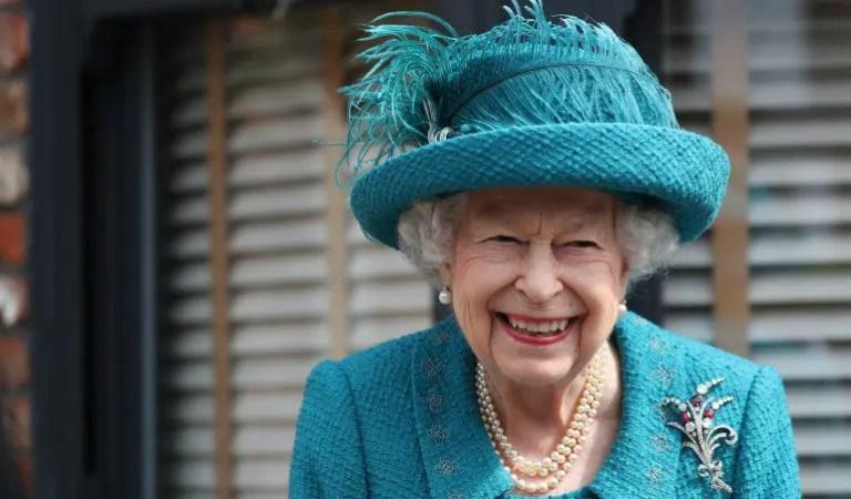 Tras la muerte de su esposo: La reina Isabell hizo su primer paseo sola en su Range Rover