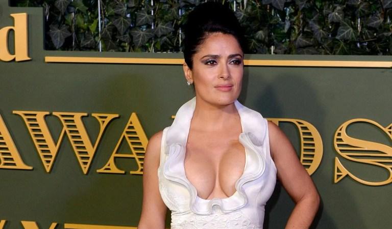 Salma Hayek confesó la razón por la cual sus senos no paran de crecer