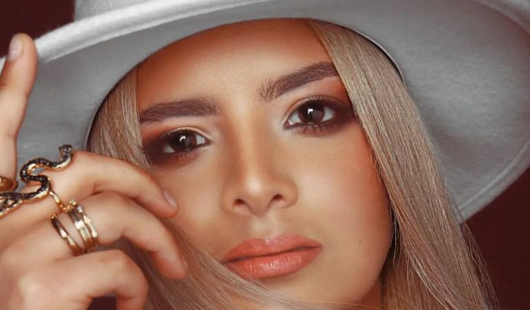 """La venezolana Adriana Moreno presentó su sencillo """"Quédate en mí"""""""