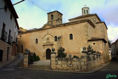 Iglesia parroquial de San Pedro Apóstol. Alberga dos magníficas tallas de Pedro de Mena: un Ecce Homo y una Dolorosa