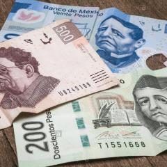 Ante incertidumbre, mexicanos eligen instituciones financieras extranjeras para invertir