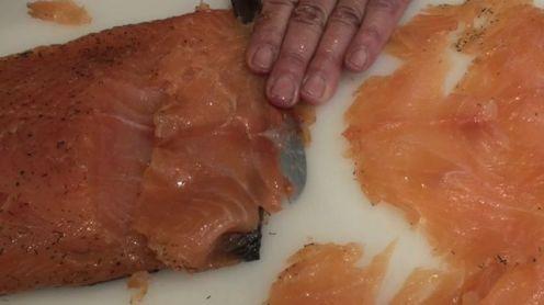 Salmon marinado con salsa de mostaza40
