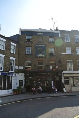 The Harcourt Arms, en svensk pub