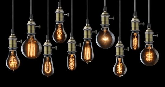 iStock-496950002-vintage-bulbs