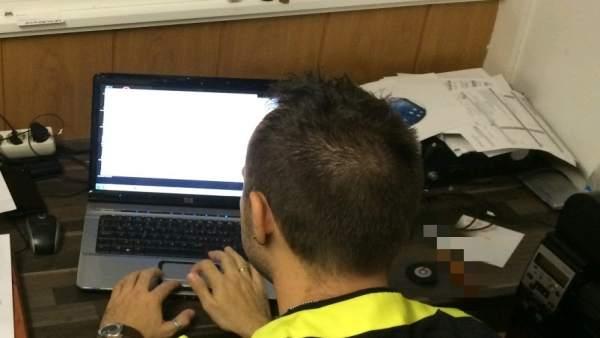 Arrestan a un hombre por extorsionar a través de Internet a chicas menores en Tenerife