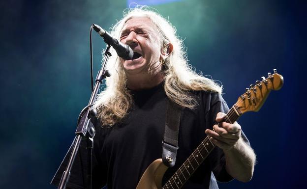 Rosendo se despide de los escenarios tras 45 años de rock