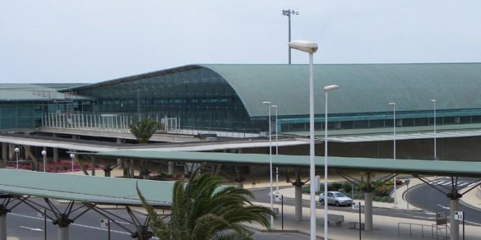 Detenidos por intentar viajar a Londres desde Fuerteventura con documentación falsa