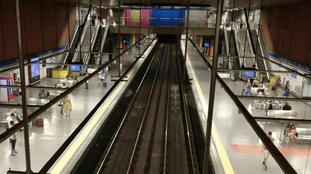 Detenido un hombre al matar a golpes a otro en el Metro de Moncloa