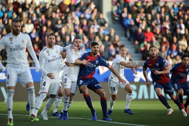 El Real Madrid sufre, pero gana ante el Huesca