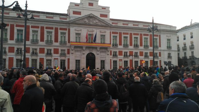 La huelga de taxistas controla la capital