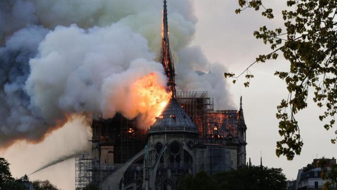 La Catedral de Notre Dame sufre un devastador incendio