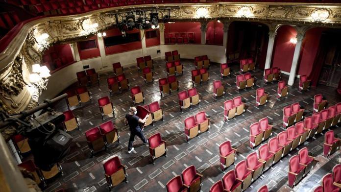 El teatro, más vacío que nunca