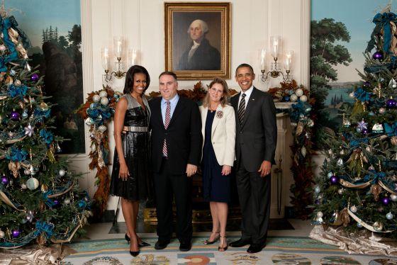José Andrés y su esposa, Patricia, junto a Michelle y Barack Obama en la Casa Blanca | Fuente: El País
