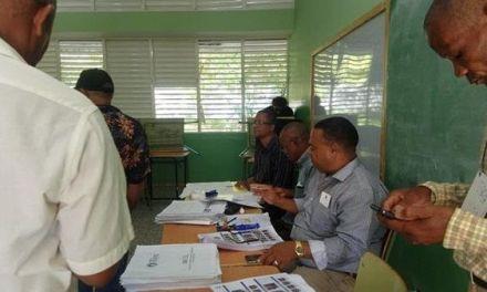 Discusiones y retraso matizan convención PRM en Barahona