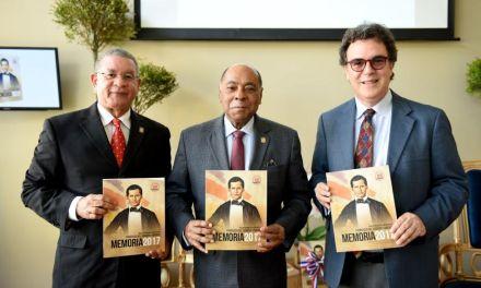 """TC presenta """"Memoria Institucional 2017"""" en inauguración pabellón en Feria del Libro"""