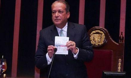 """Reinaldo denuncia plan """"perverso"""" en su contra"""