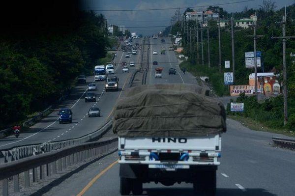 Camioneros no cumplen norma sobre circulación