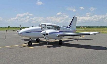 Militares y civiles acusados por robo de avión