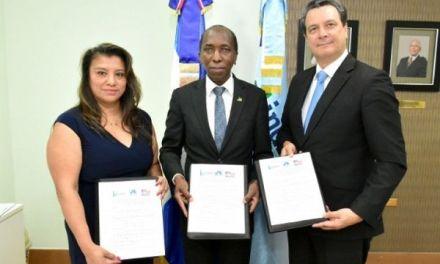 Convenio de Inafocam con Universidad Drexel y UNICDA capacitará a docentes del área de inglés