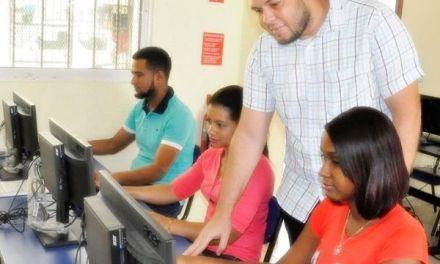 Loyola e INDOTEL ofrecen gratis cursos de informática