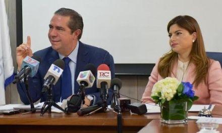 """Ministro considera """"hechos aislados"""" muertes de turistas en hoteles de la RD"""