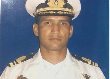 Condenan muerte de un oficial naval