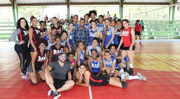 Realizan Copa de Voleibol Dániel Lajara