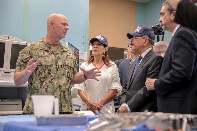 Danilo visita Buque Hospital Comfort de los Estados Unidos