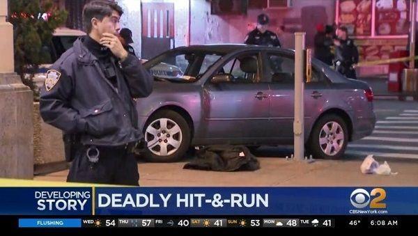 Mujer murió arrollada por carro robado que subió a acera en Queens